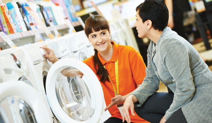helping-the-customer
